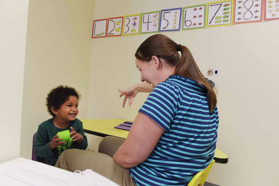 Speech therapist, Amy Ezekiel works with pre-schooler, Alexander, at Crossroads Center for Children on Thursday, Oct. 26, 2017, in Rotterdam, N.Y.     (Paul Buckowski / Times Union) Photo: PAUL BUCKOWSKI / 20041951A