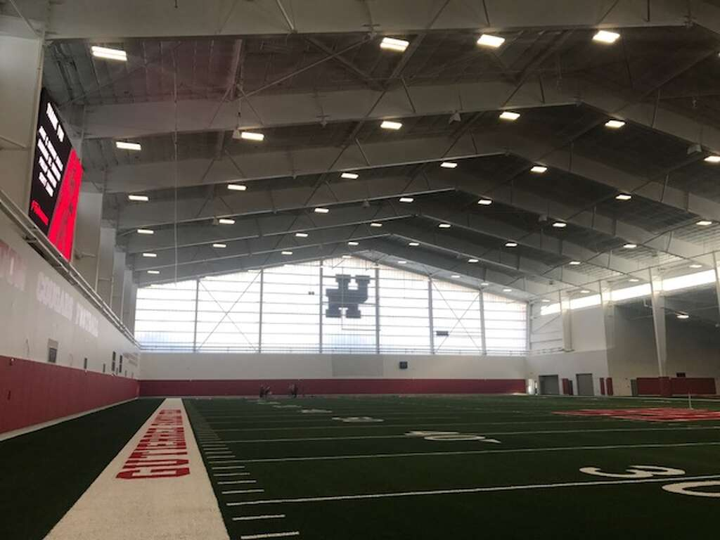 uh u0027s indoor football facility another big step houston chronicle