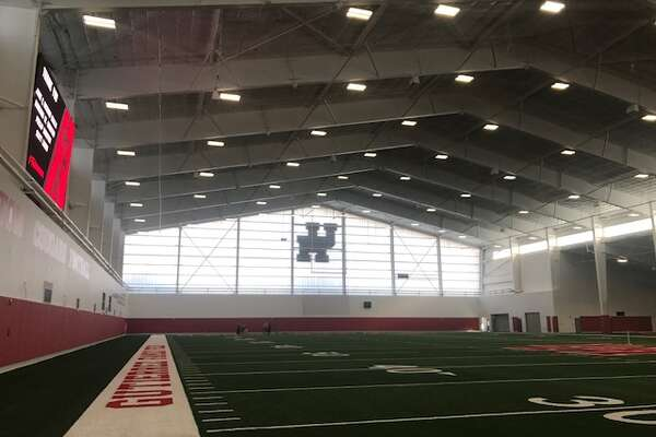 Uh S Indoor Football Facility Another Big Step Houstonchronicle Com