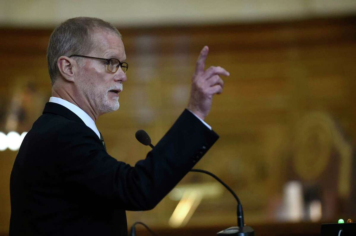attorney for Remington Arms, James Vogts, argues before the state Supreme Court in response to a lawsuit against the gun manufacturer in Hartford, Conn., Tuesday, Nov. 14, 2017. A survivor and relatives of nine people killed in the 2012 Newtown school massacre are trying to sue the North Carolina company that made the AR-15-style rifle used to kill 20 first-graders and six educators at Sandy Hook Elementary School. A lower court dismissed the lawsuit. (Cloe Poisson/The Courant via AP, Pool)