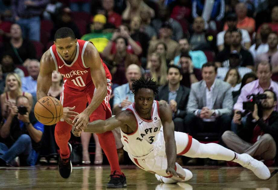Houston Rockets guard Eric Gordon (10) loses control over the ball under the pressure of Toronto Raptors forward OG Anunoby (3) during the second half, Tuesday, Nov. 14, 2017, at the Toyota Center in Houston. The Toronto Raptors won 129-113 against the Rockets. Photo: Marie D. De Jesus, Houston Chronicle / © 2017 Houston Chronicle