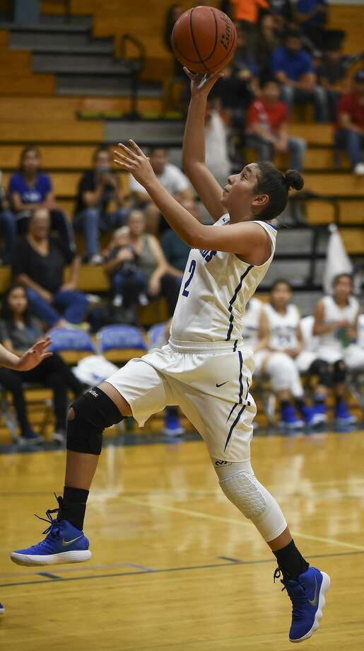 Angelina Mosqueda had a game-high 16 points for Cigarroa in a 54-38 victory at home over LBJ Tuesday. Photo: Danny Zaragoza /Laredo Morning Times