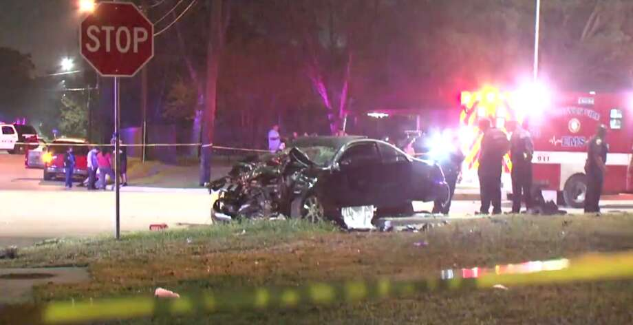 One person was killed late Tuesday after a car crash in north Houston. (Metro Video) Photo: Metro Video