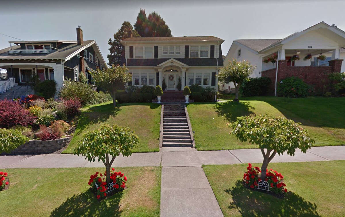 The Dutch Colonial in Everett that served as Laura Palmer's house (creaky fan and all) has attracted quite a few visitors for the couple that lives there.