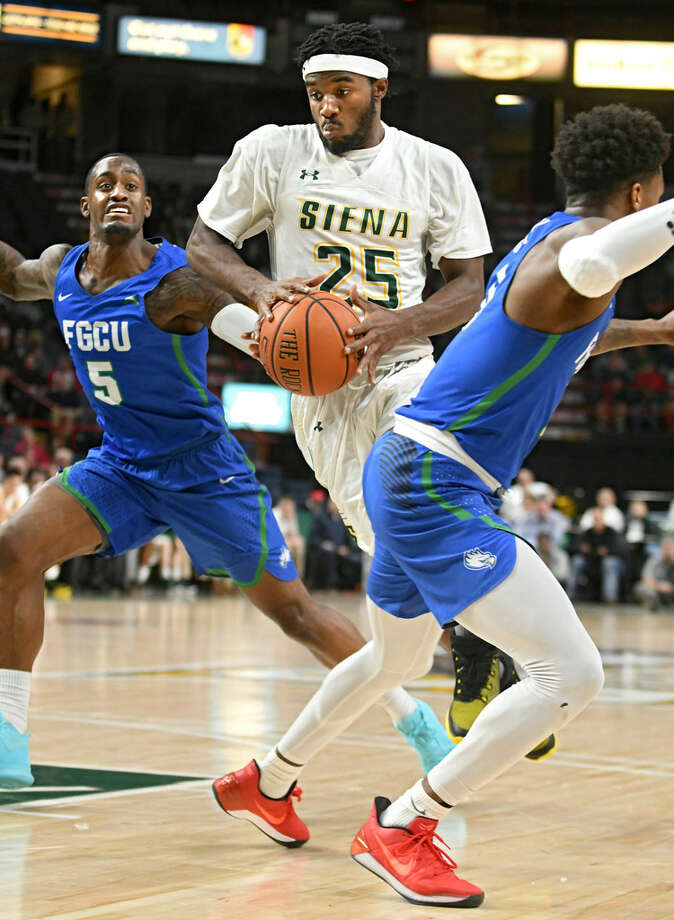 Siena's Nico Clareth is shooting only 28.1 percent from the field through the first two games. (Lori Van Buren/Times Union)