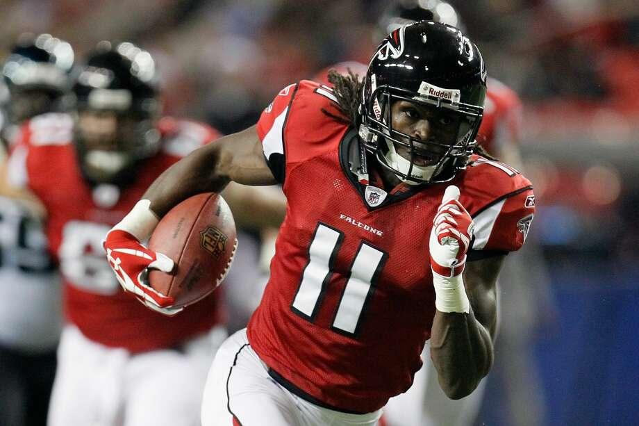 Julio Jones and the Falcons need a win or Seattle loss Sunday to clinch a playoff spot in order for a chance to become the first Super Bowl runner-up to return to the big game since 1993. Photo: Kevin C. Cox/Getty Images