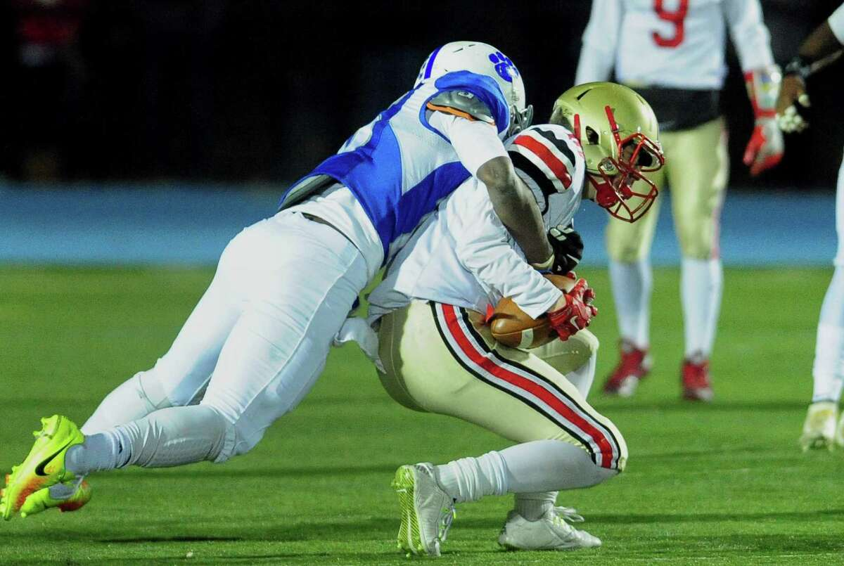 Bunnell and Stratford renew their Thanksgiving Day football rivalry on Nov. 23 at 10 a.m. at Penders Field. Tickets are now on sale.