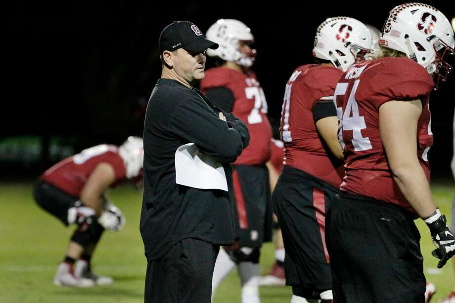 Mike Bloomgren, Stanford's Andrew Luck Director of Offense, works with members of the Stanford Cardinal football team during practice on Tuesday, November 14,  2017 in Stanford, Calif. Bloomgren serves as the associate head coach, offensive coordinator and offensive line coach. Photo: Lea Suzuki, The Chronicle