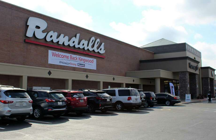 Randalls Town Center celebrated their grand re-opening in Kingwood on Wednesday, Nov. 15, where they presented a $100,000 check to the Humble ISD Education Foundation to help with district needs related to damage from Hurricane Harvey. Photo: Melanie Feuk