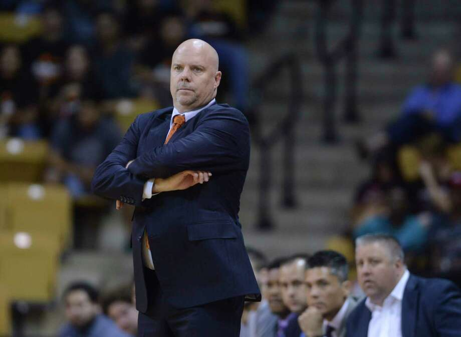 UTSA head coach Steve Henson watches his team in action against Texas State during first-half college basketball action in San Marcos on Wednesday, Nov. 15, 2017. Photo: Billy Calzada