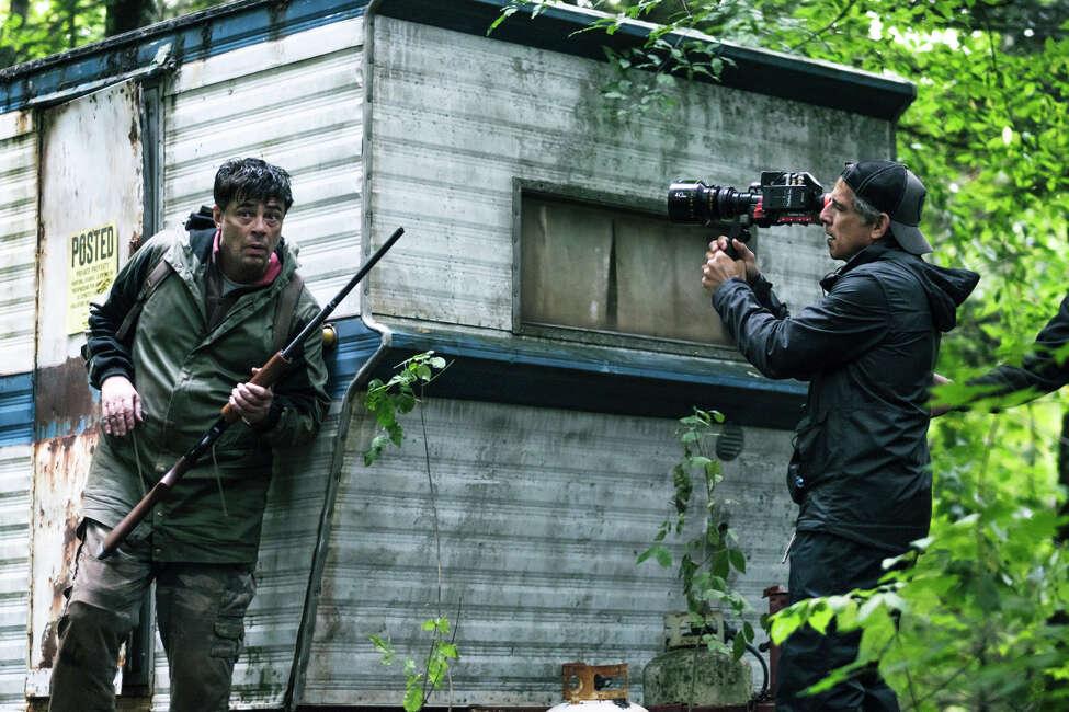 Benicio Del Toro and producer-director Ben Stiller on the set ofthe Showtime miniseries