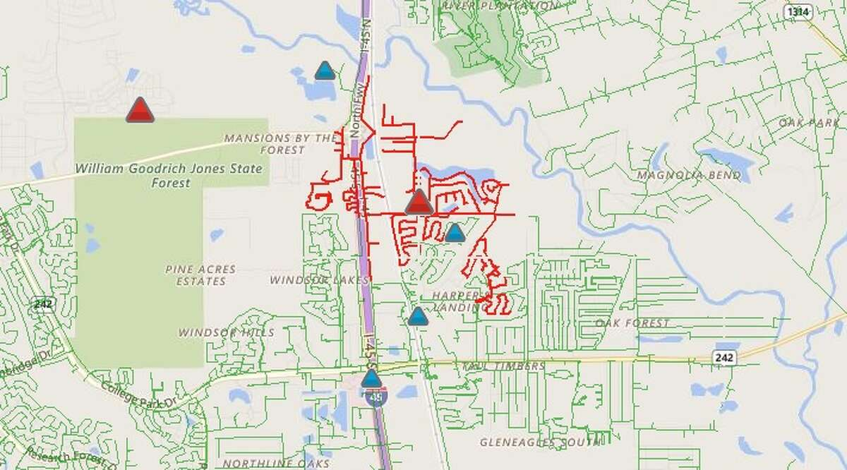 Conroe and The Woodlands Fire Departments were sent to the transformer fire shortly after 2:30 p.m. Entergy is reporting that 1,559 customers are without power.