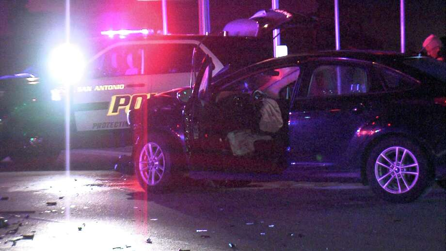 The suspected drunk driver, a woman in her 20s, ran the light around 12:30 a.m. at the intersection of Interstate 10 and Stonewall Parkway near the Dominion. Photo: Ken Branca