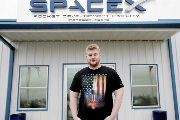 Veteran Zachary Ledford (Army 2010-2014) is employed at SpaceX on Wednesday, Nov. 8, 2017, in McGregor. ( Elizabeth Conley / Houston Chronicle )