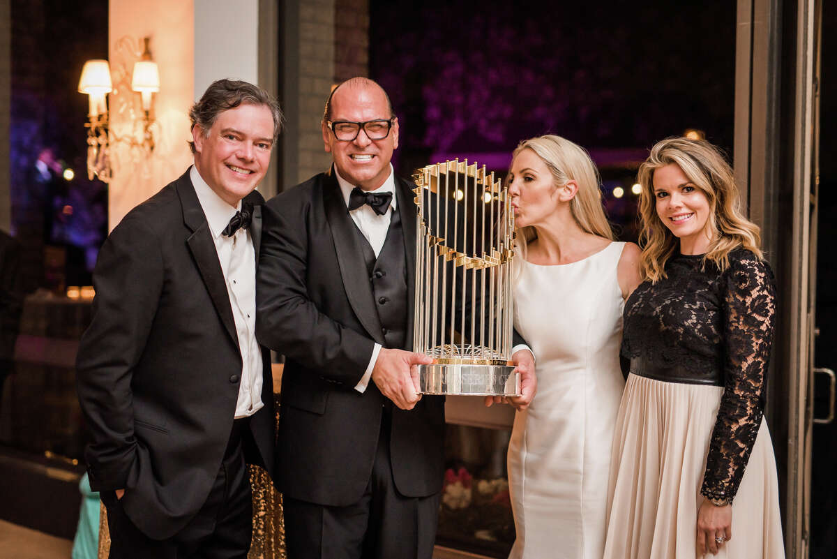 Kaitlyn and Stewart Skloss, founder and owner of Pura Vida Tequila, had a spectacular wedding at River Oaks Country Club on Saturday, Nov. 11, 2017. Billy Gibbons of ZZ Top officiated, a bagpipe band played, a gospel choir sang and the Word Series trophy was present for guests to take photos with.