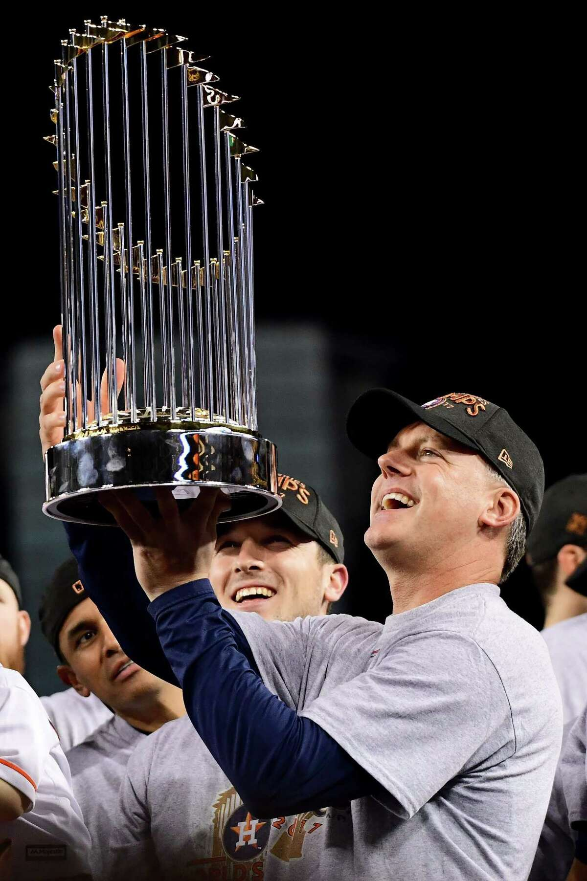 LOS ANGELES, CA - NOVEMBER 01: Manager A.J. Hinch of the Houston Astros holds the Commissioner's Trophy after defeating the Los Angeles Dodgers 5-1 in game seven to win the 2017 World Series at Dodger Stadium on November 1, 2017 in Los Angeles, California. (Photo by Harry How/Getty Images)