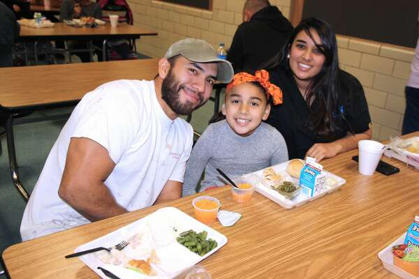 Thanksgiving Feast photos from Hillcrest Elementary.
