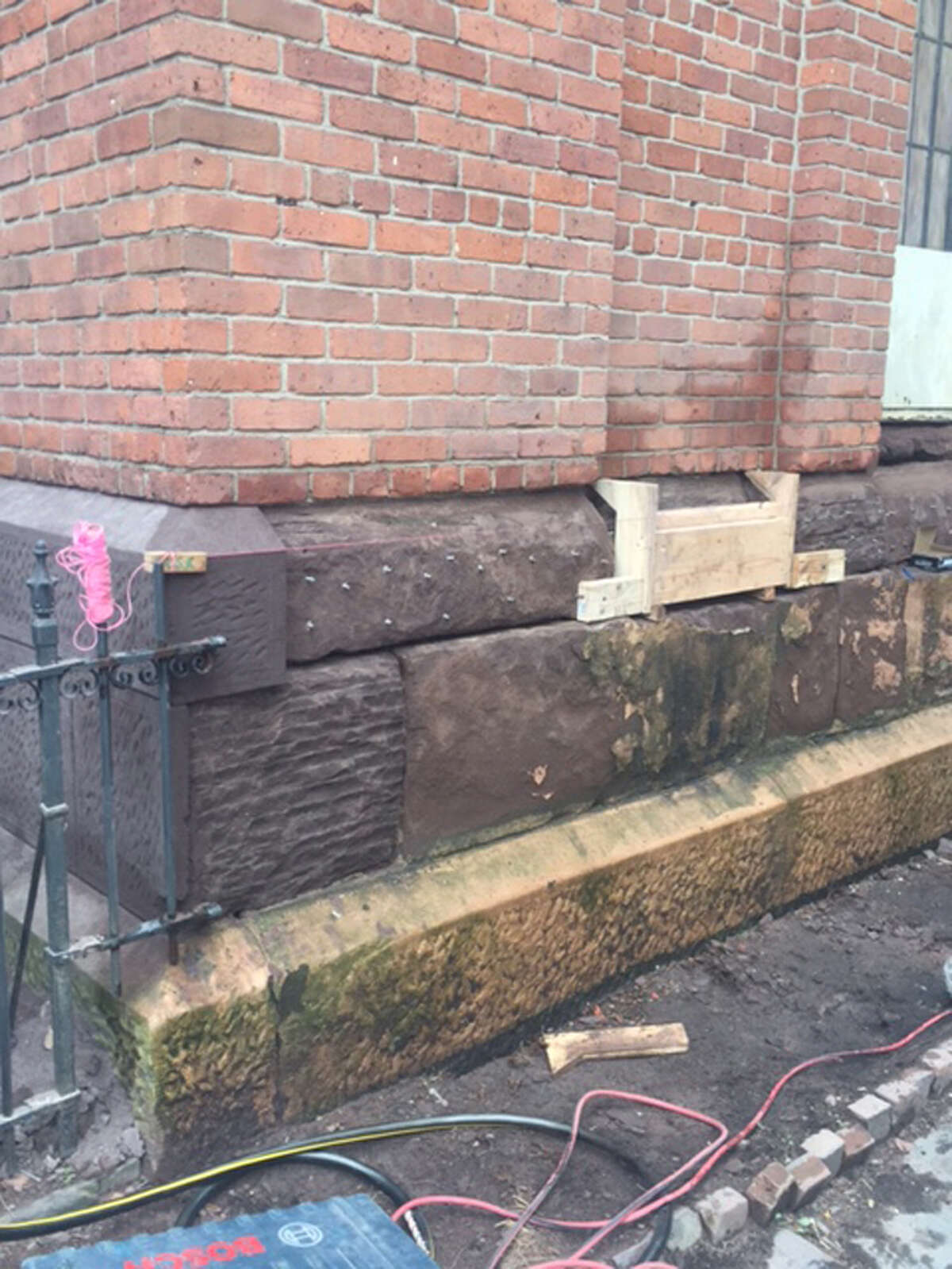 Ganem Contracting Corp. repaired the stone blocks with mortar.
