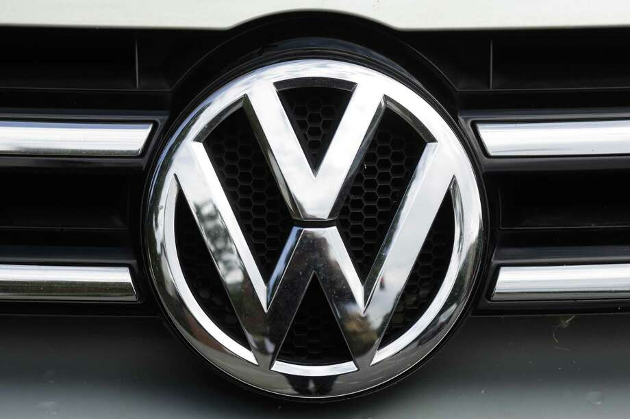 U.S. safety regulators are investigating complaints that a Volkswagen recall may not fix a wiring problem that can stop the front drivers air bag from inflating in a crash. The government probe covers nearly 416,000 vehicles. Photo: Markus Schreiber /Associated Press / Copyright 2017 The Associated Press. All rights reserved.