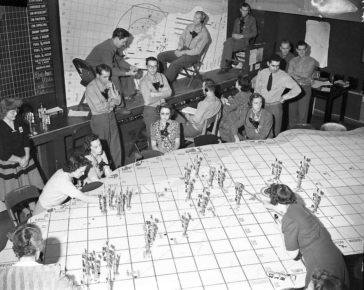 Bay Area Civil Defense., Control board of the Aircraft Warning Service of the 4th Interceptor Command, 1942