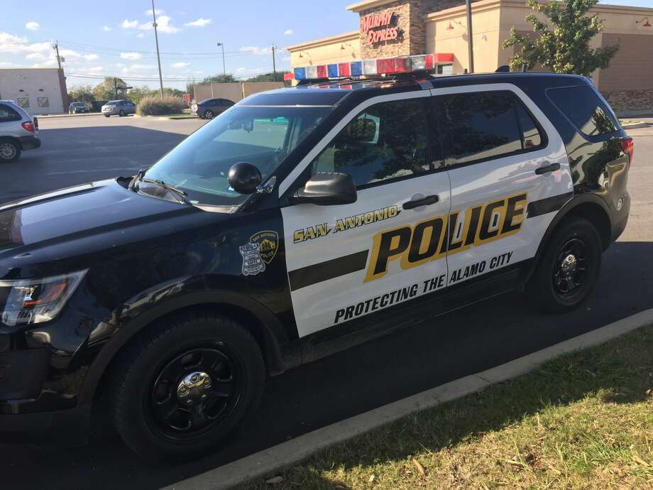 Police arrested 15 during a crackdown on drag racing in the South East side of San Antonio. Photo: Fares Sabawi/San Antonio Express-News