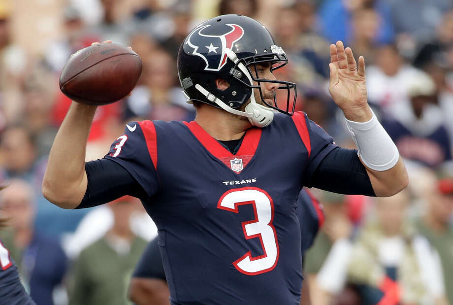 TEXANS' THREE KEYS TO VICTORY1. Quarterback Tom Savage needs to throw more accurately, not commit turnovers and become consistent for all four quarters. Photo: Alex Gallardo/Associated Press