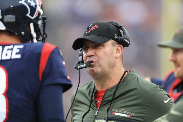 LOS ANGELES, CA - NOVEMBER 12:  Head Coach Bill O'Brien of the Houston Texans talks to quarterback Tom Savage #3 during the game against the Los Angeles Rams at the Los Angeles Memorial Coliseum on November 12, 2017 in Los Angeles, California.  (Photo by Sean M. Haffey/Getty Images)