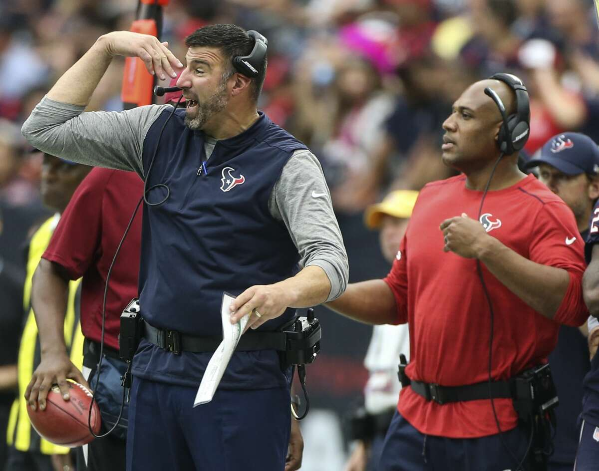 Houston Texans defensive coordinator Mike Vrabel calls a play during the fourth quarter of an NFL football game against the Cleveland Browns at NRG Stadium on Sunday, Oct. 15, 2017, in Houston. ( Mark Mulligan / Houston Chronicle )