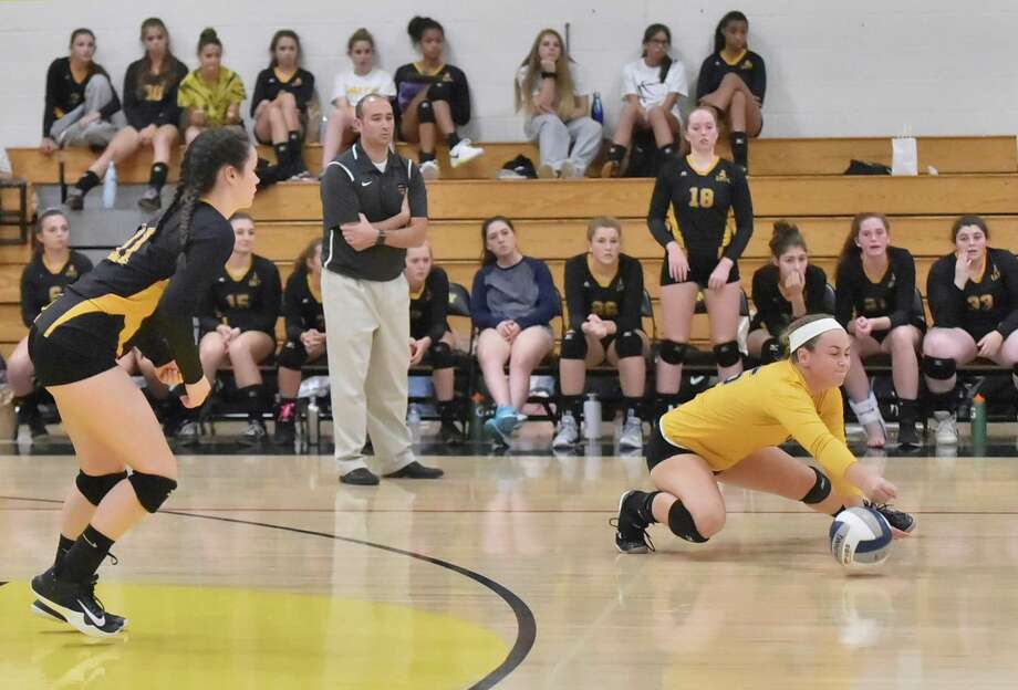 Amity will take on Greenwich in the Class LL girls volleyball state title game. Photo: Peter Hvizdak / Hearst Connecticut Media / New Haven Register