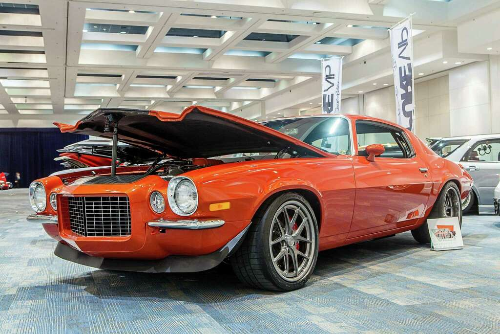 Modified cars shine at 60th annual San Francisco Chronicle ...