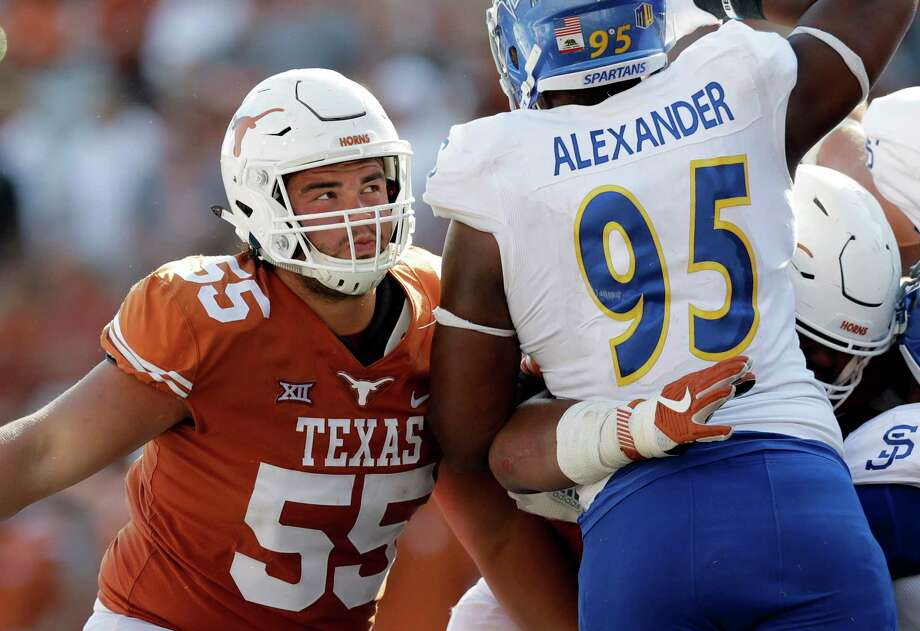 Texas' offense should get a boost up front with the return of All-America tackle Connor Williams (55), who has missed most of the season with a knee injury. Photo: Eric Gay, STF / Copyright 2017 The Associated Press. All rights reserved.