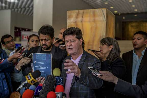 Jerry Dias, president of the Canadian union Unifor, says Friday the United States is being inflexible about its demands over changes in NAFTA during the fifth round of renegotiations in Mexico City.