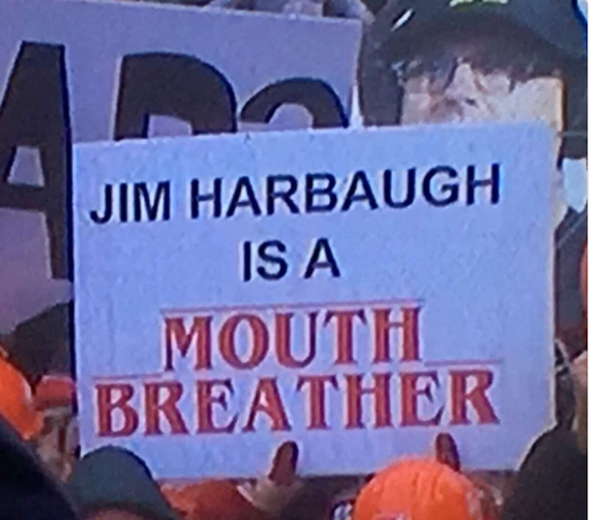 Source: Twitter (Reddit CFB) Browse through the photos for the best signs from College GameDay in Wisconsin.