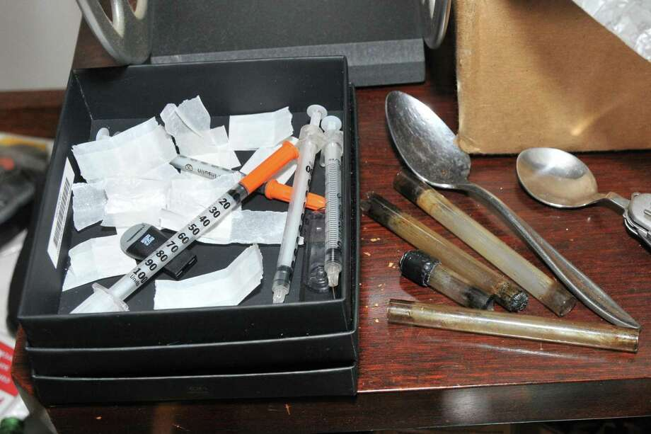 Stamford police say they are finding more unmarked white bags of heroin. Photo: Contributed Photo