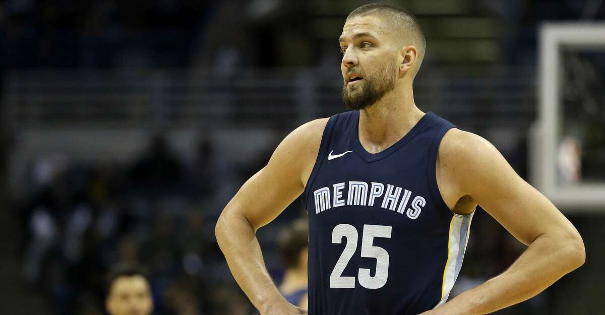 Memphis Grizzlies' Chandler Parsons during the second half of an NBA basketball game against the Milwaukee Bucks Monday, Nov. 13, 2017, in Milwaukee. (AP Photo/Aaron Gash)
