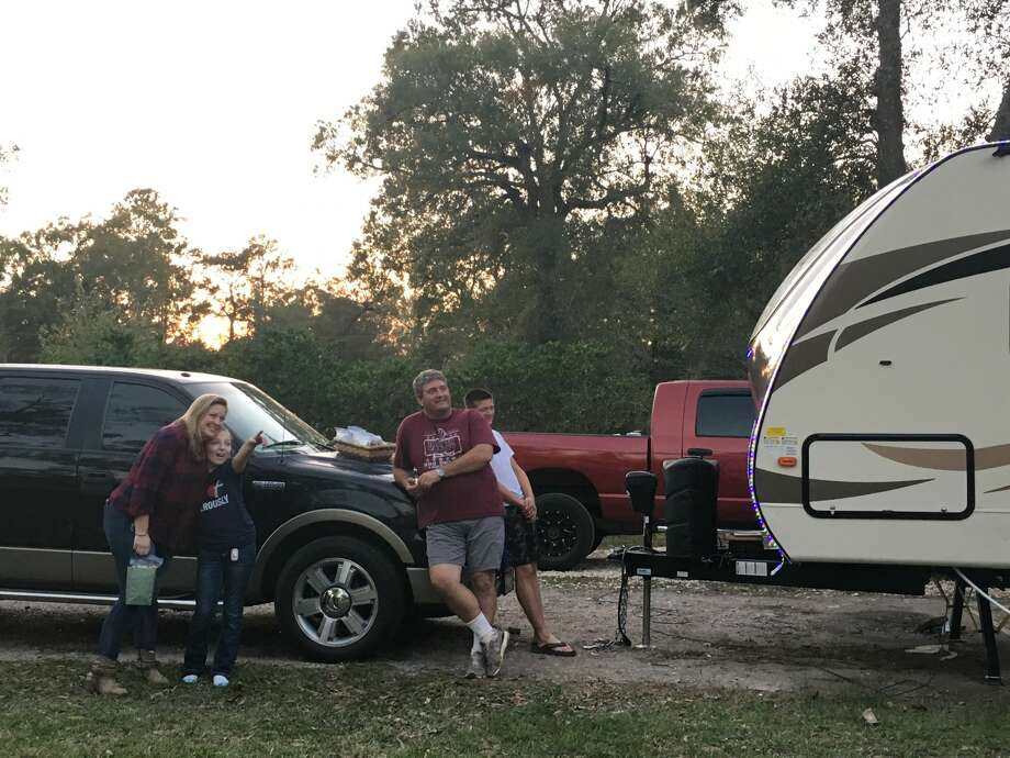 A Bevil Oaks Family was gifted Christmas lights by an anonymous donor after losing everything to Harvey Photo: Krista Chandler