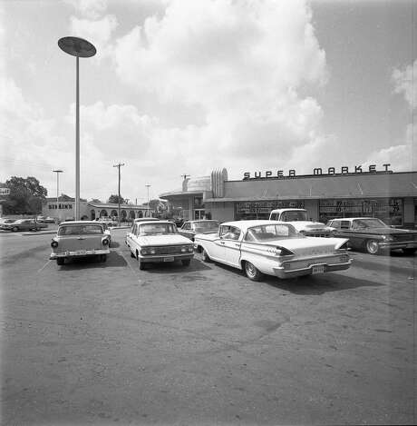 This photo of the Centeno on West Commerce Street at Las Moras was taken in June 1967. Opened in 1948, it was known as No. 1 as the Centeno family opened more supermarkets. Photo: Courtesy / UTSA Special Collections