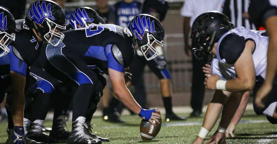 The New Caney offensive line faces off with Vidor during the varsity football game on Friday,  Nov. 17, 2017, at Galena Park ISD Stadium. (Michael Minasi / Houston Chronicle) Photo: Michael Minasi/Houston Chronicle
