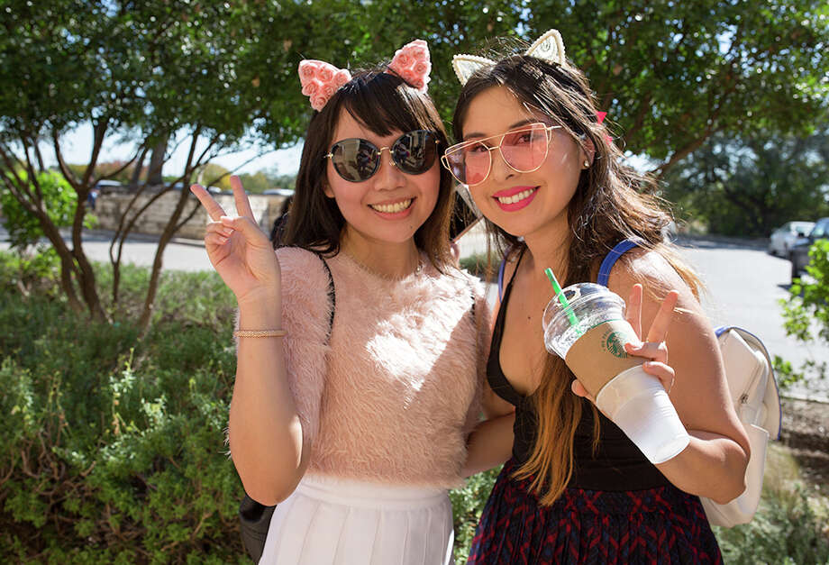 Hello Kitty fans were treated to Sanrio-themed treats, beverages and special merchandise during a stop by the Hello Kitty Cafe Truck Saturday, Nov. 11, 2017. Photo: B. Kay Richter For MySA