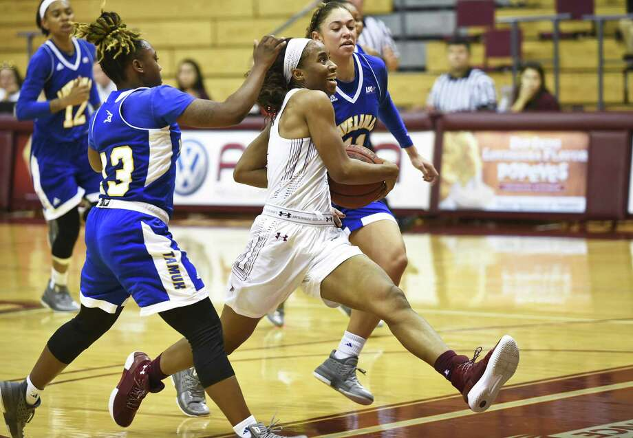 Passionate Amukamara had a career-high 22 points in her third game with TAMIU but the Dustdevils lost 65-62 after a late rally against Texas A&M-Kingsville. Photo: Danny Zaragoza /Laredo Morning Times / Laredo Morning Times