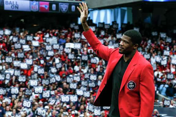 Former Houston Texans wide receiver waves to the fans as he is honored as the first Texans player in the Ring of Honor during the halftime celebration at NRG Stadium on Sunday, Nov. 19, 2017, in Houston. ( Brett Coomer / Houston Chronicle )