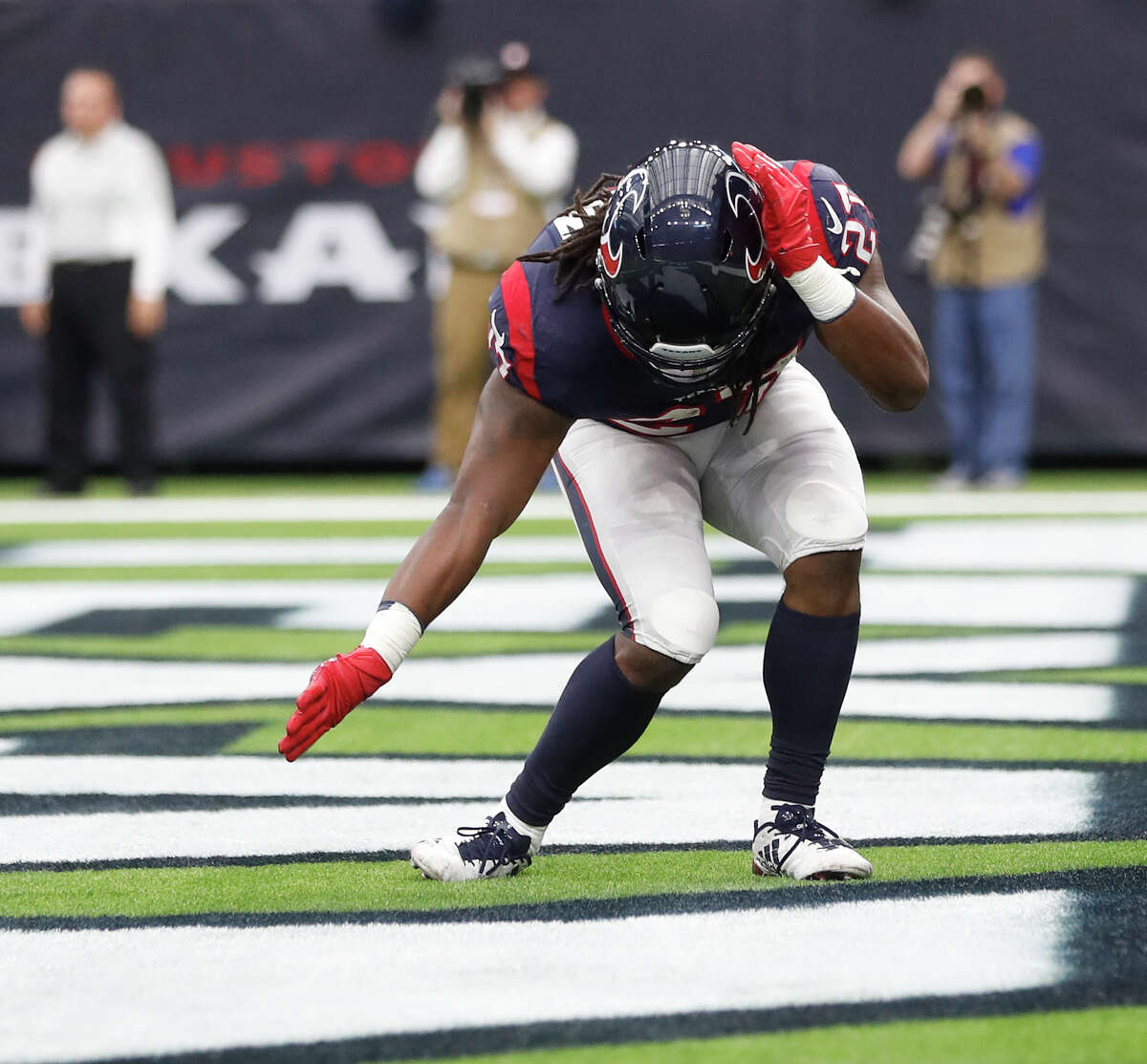 Running backs D'Onta Foreman (65) and Lamar Miller (61) combined for 126 yards and three touchdowns. Foreman scored the first two touchdowns of his career and suffered a ruptured Achilles tendon on his 34-yarder. Grade: A-minus