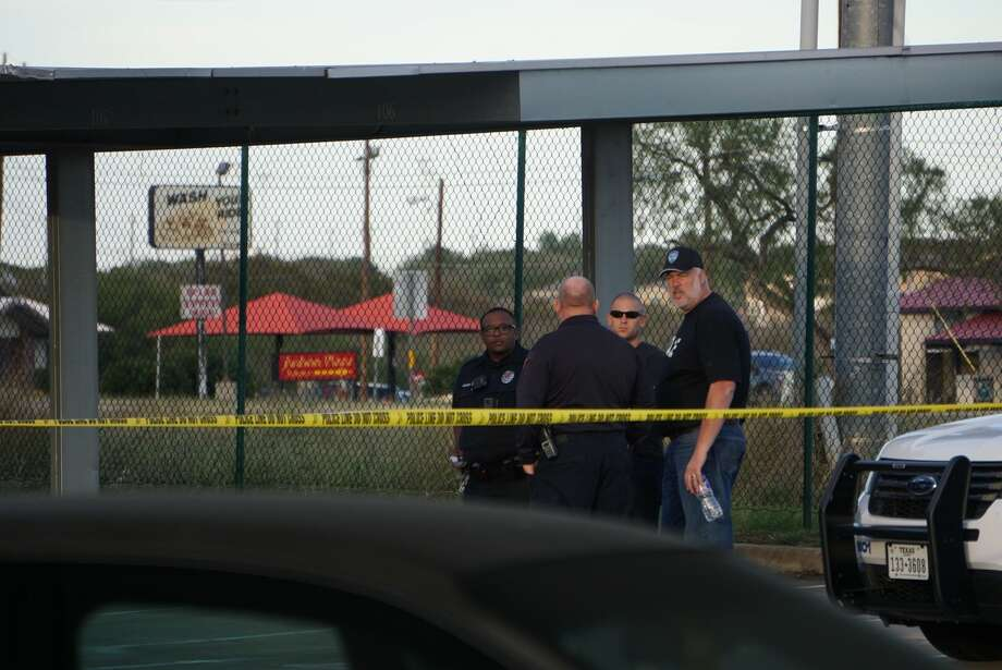 Converse police say a 16-year-old was shot and killed Sunday evening, Nov. 19, 2017, at an area apartment complex. Photo: Jacob Beltran