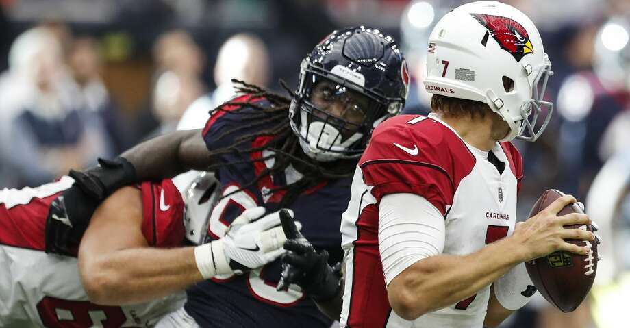 Houston Texans outside linebacker Jadeveon Clowney (90) breaks away from Arizona Cardinals offensive tackle Jared Veldheer (68) to sack quarterback Blaine Gabbert (7) during the fourth quarter of an NFL game at NRG Stadium on Sunday, Nov. 19, 2017, in Houston. ( Brett Coomer / Houston Chronicle ) Photo: Brett Coomer/Houston Chronicle
