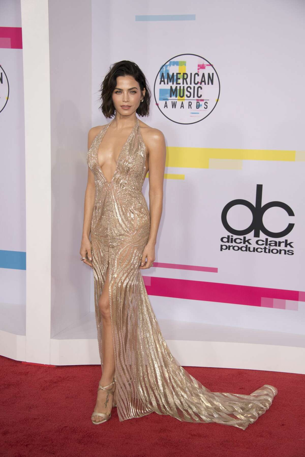 Best: Jenna Dewan Tatum took the AMAs to Oscars level. This isn't even a fair fight anymore.
