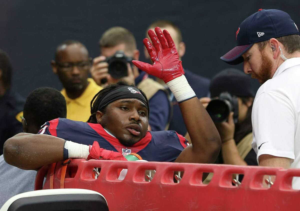 Houston Texans running back D'Onta Foreman (27) waves at the fans as he is taken out after injured during the fourth quarter of a NFL game against the Arizona Cardinals at NRG Stadium on Sunday, Nov. 19, 2017, in Houston. The Houston Texans defeated the Arizona Cardinals 31-21. ( Yi-Chin Lee / Houston Chronicle )
