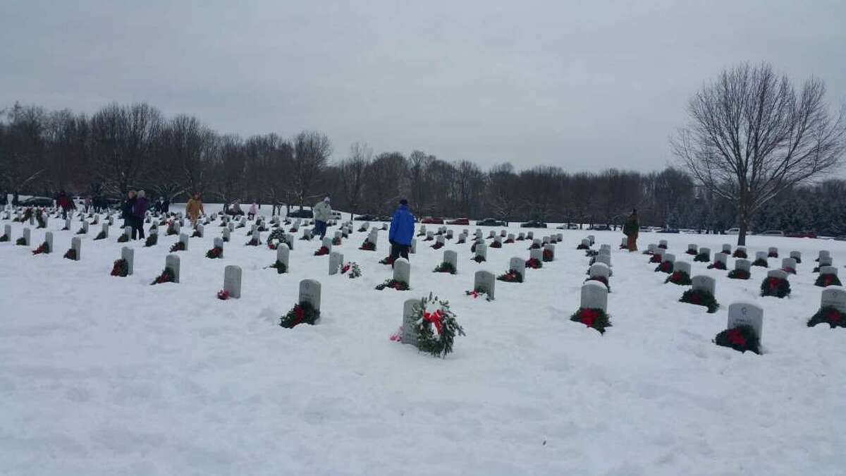Volunteers place wreaths on graves at the Gerald B.H. Solomon Saratoga National Cemetery in Schuylerville last year. (Gerald B.H. Solomon Saratoga National Cemetery)
