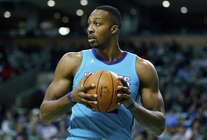Dwight Howard would be better served by avoiding antagonistic fans.