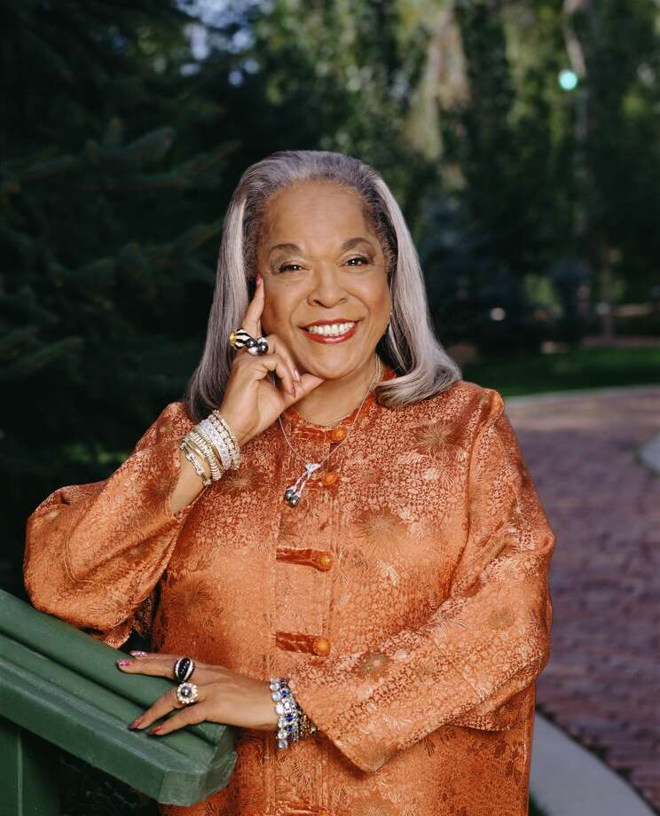 Promotional portrait of American gospel singer and actress Della Reese, from the television show 'Touched by an Angel,' 2000. (Photo by Cliff Lipson/CBS Photo Archive/Getty Images) Photo: CBS Photo Archive/Getty Images