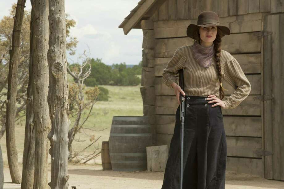 Michelle Dockery Photo: Ursula Coyote/Netflix / Ursula Coyote / Netflix Photos